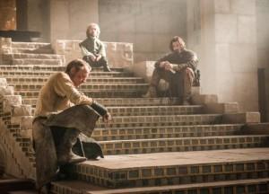Jorah, Tyrion and Daario wait for the Queen's return
